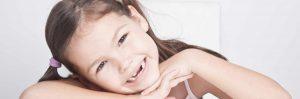 Odontopediatría se encarga principalmente de la salud de los dientes temporales para que los problemas no los transmita a los dientes definitivos